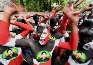 India witnessed the assembly poll results of five states. It was indeed an interesting day in Indian politics. The Congress lost ground all around — except in Puducherry — as the BJP claimed victory in Assam and made inroads into West Bengal and Kerala. Mamata Banerjee's TMC won in West Bengal, while BJP broke the Congress stranglehold over Assam. In Tamil Nadu it was Jayalalitha all over, while the LDF received a massive win in Kerala. On the other hand, the Congress-DMK alliance recaptured Puducherry after five year. This political extravaganza set the mood for celebration among the supporters of the winning party as they took to roads, distributed sweets, burnt crackers etc to mark the victory. Take a look at the political celebrations across different states. - India Tv