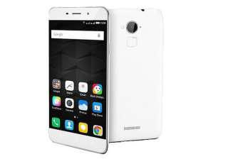 Coolpad Note 3 – Rs 8,999: The phone comes with a 5.50-inch touchscreen display and is powered by 1.3GHz octa-core MediaTek 6753 processor with 3GB of RAM. The phone packs 16GB of internal storage that can be expanded up to 64GB via a microSD card. The Coolpad Note 3 packs a 13-megapixel primary camera on the rear and a 5-megapixel front shooter for selfies. It runs Android 5.1 and is powered by a 3000mAh non removable battery.