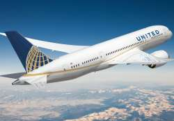 United Airlines faces criticism for barring girls 'wearing