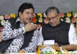 Sushil Modi wants traitors out after Shatrughan's defence
