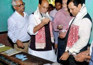 Rajnath Singh with Assam CM Sarbananda Sonowal- India Tv
