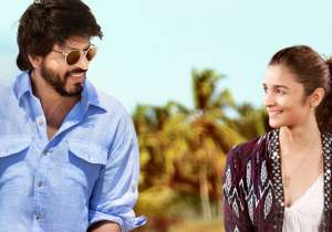 Dear Zindagi review: The movie belongs to Alia, SRK lights- India Tv