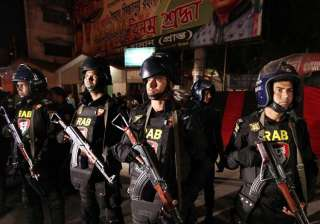 Bangladesh commandos storm militants hideout in...