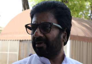 Sena MP Ravindra Gaikwad who attacked an AI...