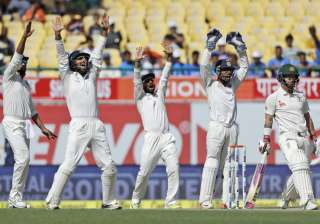 India on verge of series victory, need 87 more...