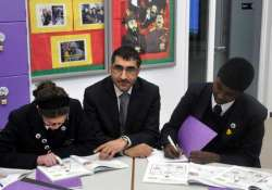 british sikh head teacher pushed out of post for opposing