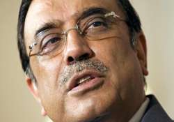 zardari to stay in pakistan after completing his term