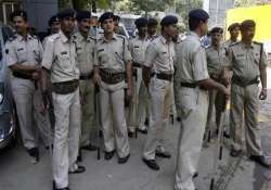 mob in up town goes on rampage burns houses shops