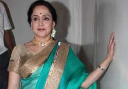 i am a woman an artiste can t go in a crowd says hema