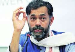 yogendra yadav appeals for relief to drought hit up farmers