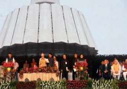 man without entry pass shared dais with pm modi at fadnavis