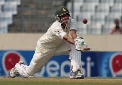 pakistan lead by 446 after reaching tea on 92 3 on 3rd day