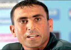 younis khan served show cause notice after media outburst