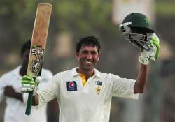younis khan s century spurs pakistan to 261 4 in 1st test