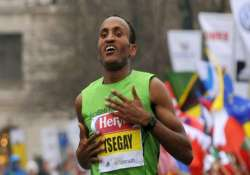 ethiopian creates race record to win delhi half marathon
