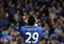 epl sunderland hits chelsea s title hopes with 2 1 win