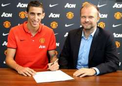 manchester united signs angel di maria for 99 million