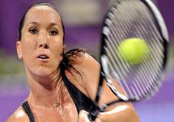 jankovic struggles through to carlsbad quarters