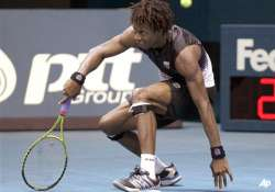 young rallies past monfils to reach thailand final