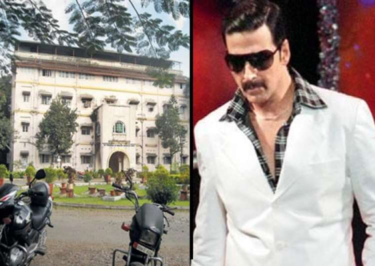 akshay kumar does late night shooting in mumbai s masina hospital plays dawood in once upon a time in mumbaai part 2- India Tv