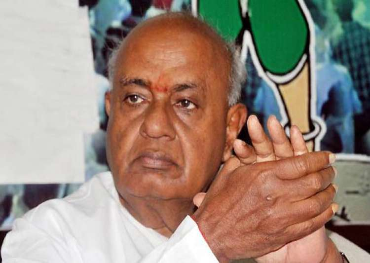 gowda sidesteps query on third front- India Tv