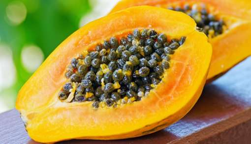 Papaya: It is a fruit rich in Vitamin A and contains enzymes that exfoliate your skin to provide you a glowing complexion. It also helps as an anti-oxidant. The enzyme papain breaks down inactive proteins and eliminates dead skin cells. Papaya also works as a great skin-firming and anti-aging agent.
