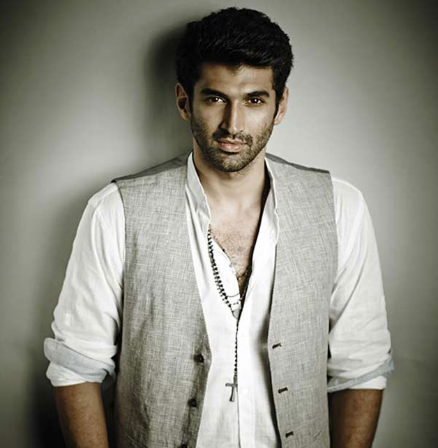 Before making his big shot in Bollywood with 'Aashiqui 2', Aditya started his career as a VJ on Channel V. In fact, he was quite famous for his wicked one liners and sense of humours. He later made his debut on silver screen with a minor role in 'London Dreams'.
