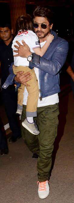 Moving away from the star kid, AbRam's father Shah Rukh Khan too looked dapper at the airport. He wore for cargo, white t-shirt, blue leather jacket, sport shoes and classy sunglasses.