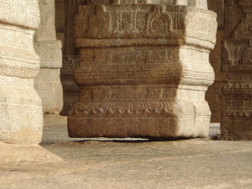 Hanging Pillar of Andhra Pradesh Out of 70 pillars of Lepakshi temple in Andhra Pradesh, one hangs without any support! Visitors pass object under the pillar to check if there's any support. And to their surprise, the pillar is actually floating without any support.