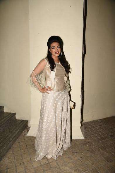 Rituparna Sengupta who essayed the lead role of Begum Jaan in the Bengali film titled Rajkahini, chose a light-coloured outfit for the event.