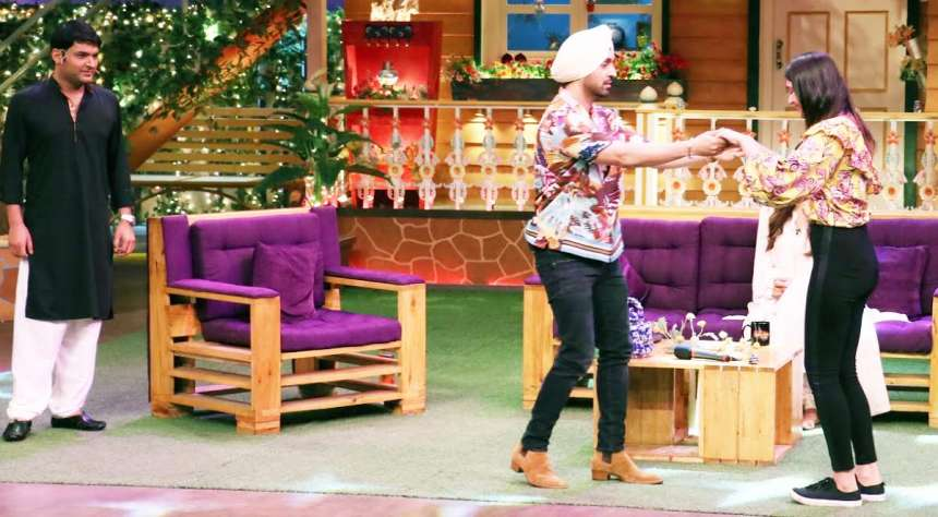 Diljit dancing with a fan on the show. How adorable they look!
