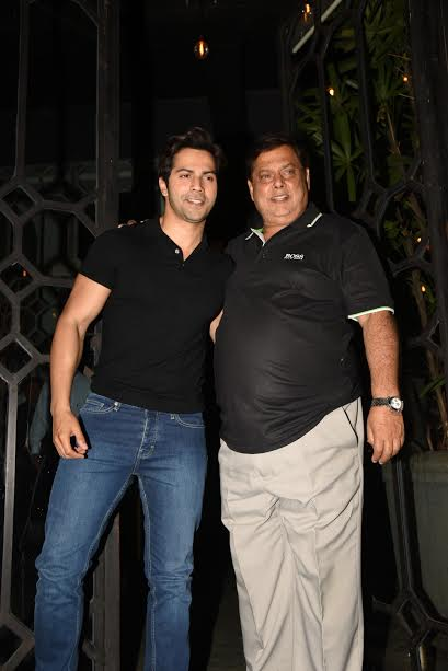 Varun and David were all smiles as they posed for the camera. The director also chose casual look.