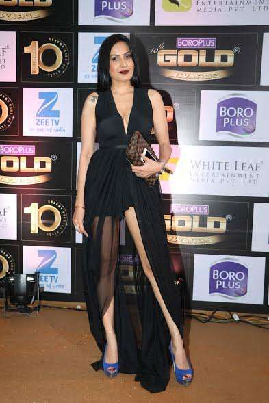 Kamya Punjabi wore a black outfit to the event.