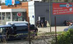 Hostage-taking situation after shooting at supermarket in