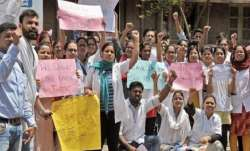 Resident doctors of the Maharashtra state-run JJ hospital