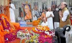 Union Minister Rajnath Singh offers tributes to the mortal