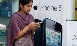Gujarat: Thakor community bans cellphones for unmarried