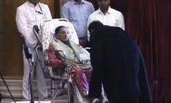SA Bobde 47th Chief Justice of India, CJI Sharad Arvind Bobde, CJI Bobde touches mother's feet, CJI
