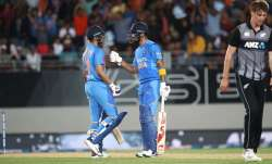 Shreyas Iyer (L) and KL Rahul of India (R) during game two