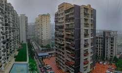 Mumbai wakes up to heavy rain and strong winds