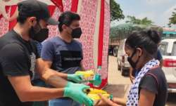 India Fights Corona: Mohammed Shami distributes food packets and mask in Uttar Pradesh