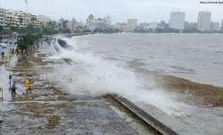 Mumbai Rains: Heavy rains in MMR, 15-feet high tide expected across coastline   LIVE