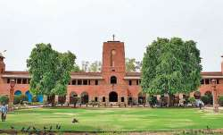 Delhi University agrees to advance final year OBE to August 10