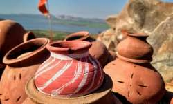 Vastu tips: Keep water filled earthen pot (matka) in house to avoid shortage of money