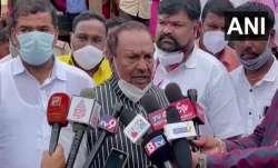 Unlike former CM Jagadish Shettar, KS Eshwarappa ready to