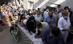 covid vaccination drive karachi pakistan