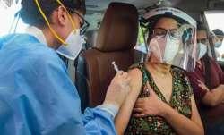India covid vaccination, covid vaccines, covid vaccination milestone, uttar pradesh covid vaccine, i