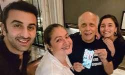 Ranbir Kapoor joins girlfriend Alia Bhatt, Pooja for Mahesh Bhatt's intimate 73rd birthday bash   P