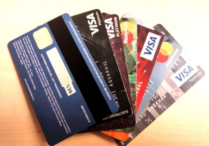 Debit cards – Tips to keep your money safe and avoid