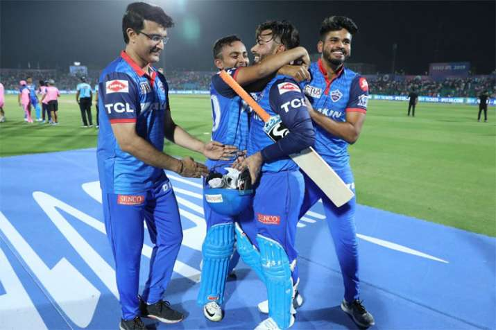 "IPL 2019: Sourav Ganguly chants ""you deserve this"" to Rishabh Pant after his one-man show against Ra"